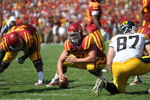 Tom Farniok snap vs Iowa 20111 524x350