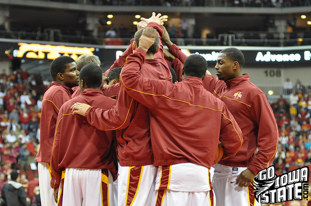 lg Iowa State Basketball 2010 team huddle