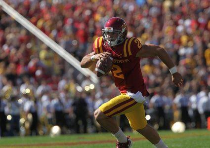 lg Steele Jantz runs vs Iowa 2011