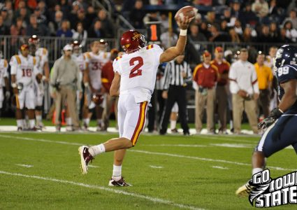 lg Steele Jantz throws vs UConn